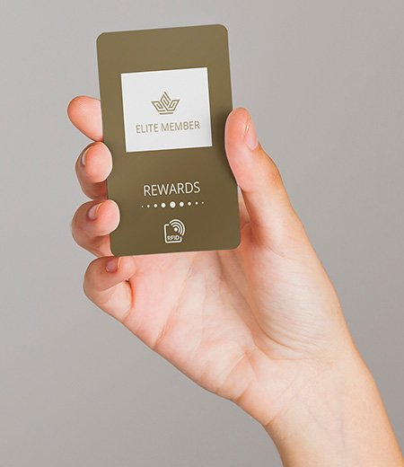 hand-with-card